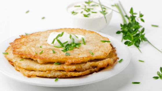 Dinkelpuffer mit Möhren-Paprika-Curry