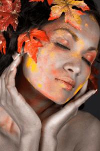 Hautprobleme im Gesicht bei Jahreszeitenwechsel Herbst