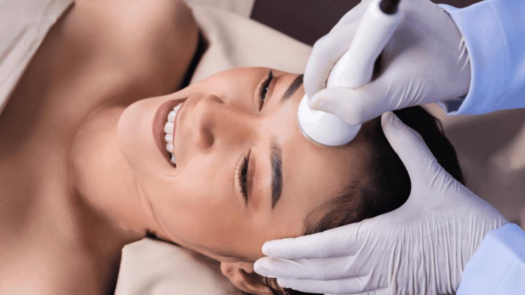 Ultraschallbehandlung Gesicht
