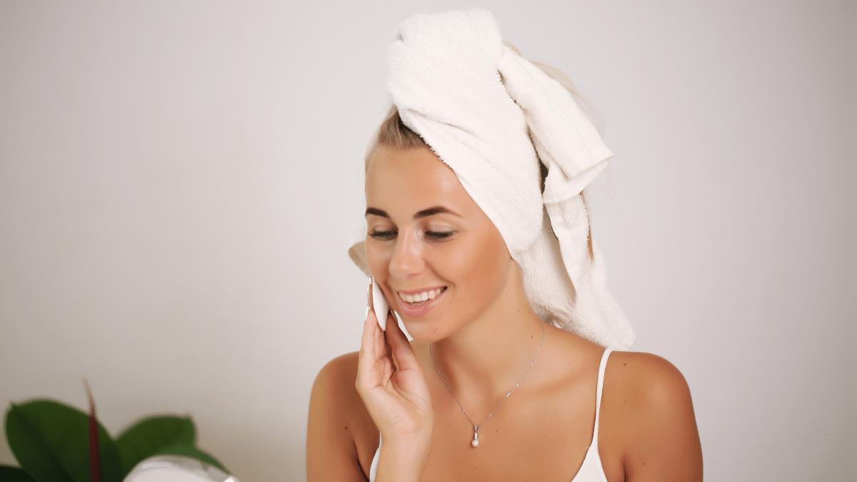 Natürlich strahlendes Gesicht durch Deine perfekte Hautpflege