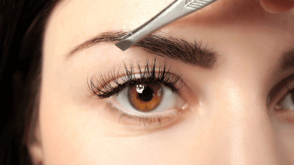 Augenbrauen zupfen – Anleitung & Produkttest